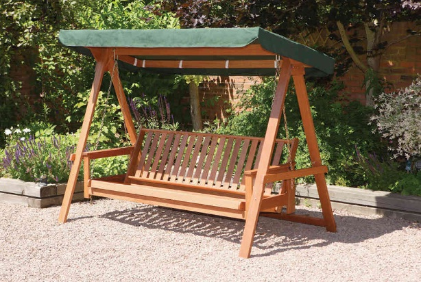 Quality-comfortable-3-seater-garden-swing-seat-hammock-with-an-FSC-wood-frame