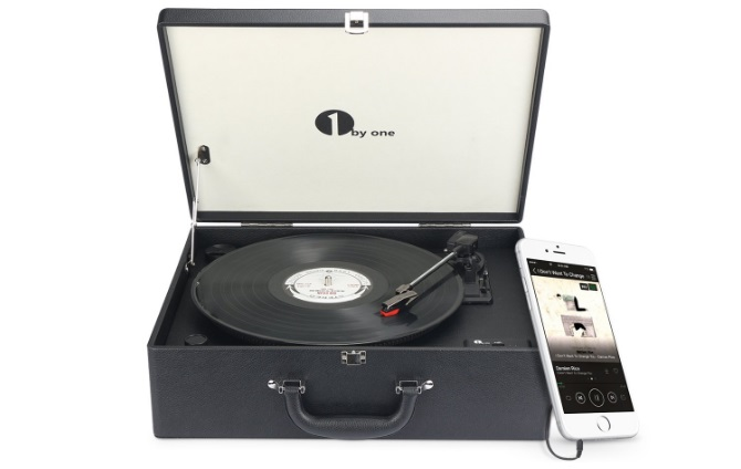 1byone-suitcase-style-turntable-review
