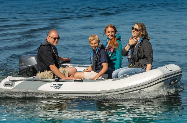 best-inflatable-dinghy-for-cruising
