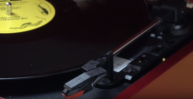 victrola 50s-retro-3-speed-bluetooth-turntable-review