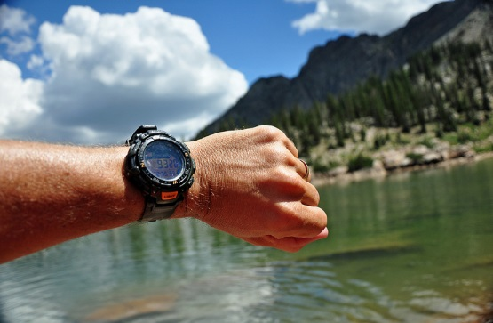 best-hiking-watch-under-100