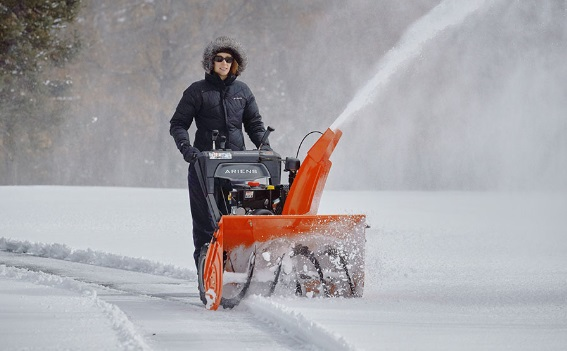 best-2-stage-snow-blower-under-$1000