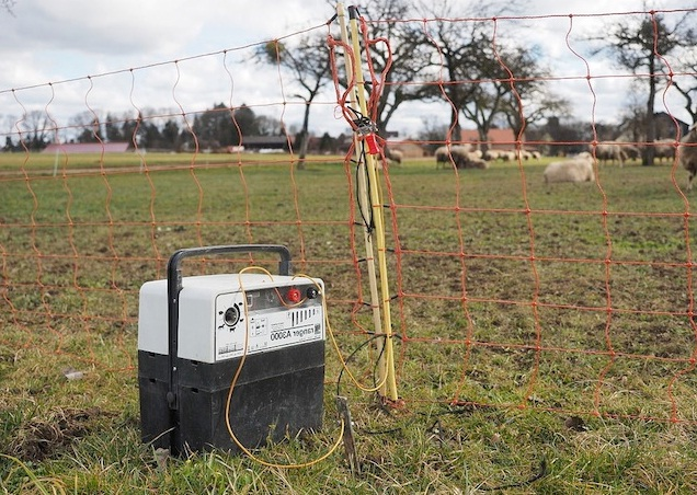 low-impedance-electric-fence-charger