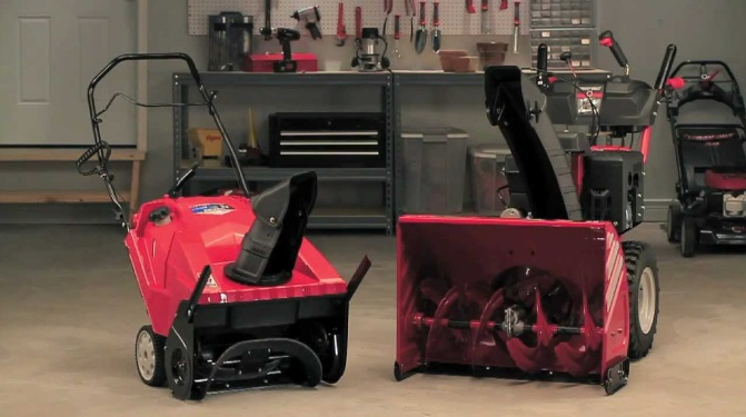 snow-blowers-vs-snow-throwers