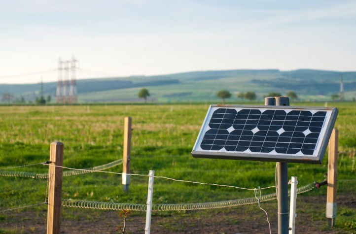 solar-powered-electric-fence-charger-reviews