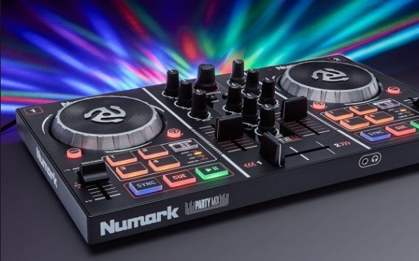 numark-mixtrack-3-all-in-one-controller-solution-for-virtual-dj